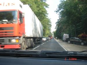 Tiry na drogach są... straszne dla osobówek.