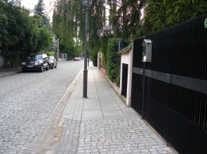 Urokliwa uliczka na warszawskiej Sadybie